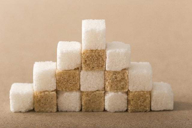 【ダイエット中は控える】ソフトドリンクは見えない砂糖の塊