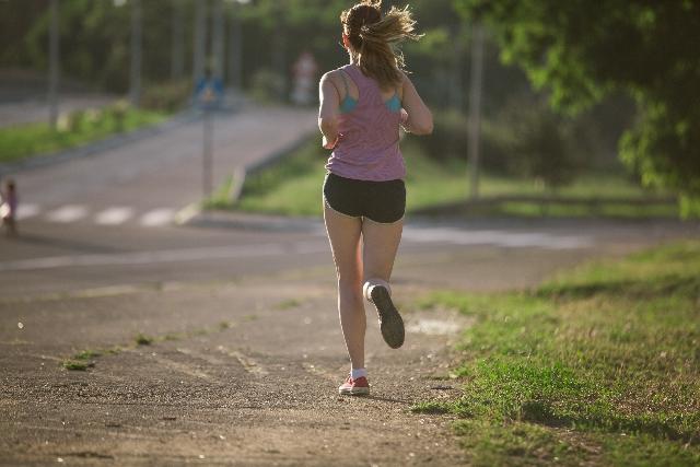 【ランニングでダイエット】痩せる方法!いつ走る?食事は?