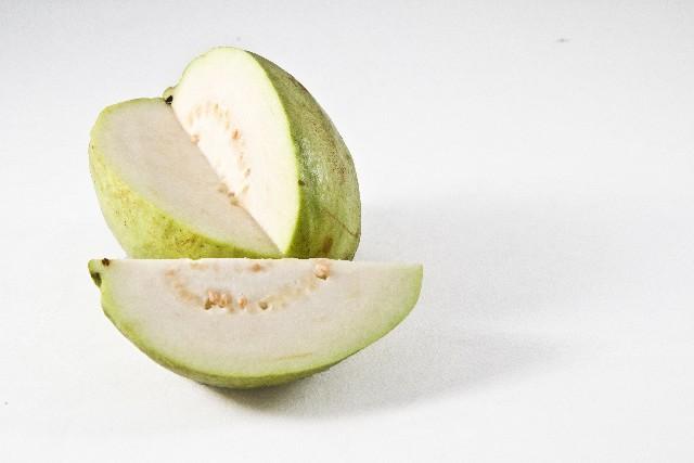 「グァバ」はレモンのビタミンC6倍!美肌を作るとっておきの食材だった