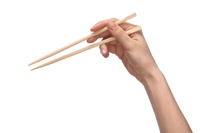 【利き手と逆ダイエット】反対の手で食事をすると痩せちゃう方法!